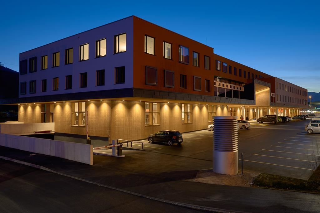 Hwest hotel hall hall in tirol for Tirol designhotel