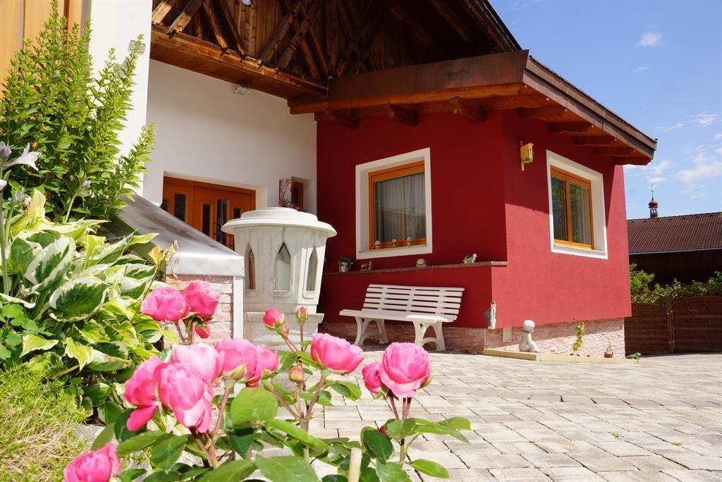 Ferienwohnungen Haus Flörl. Holiday Apartment In Tulfes
