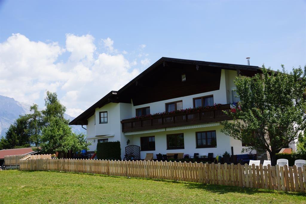 Landhaus Geisler. Ferienwohnung / Appartement In Tulfes