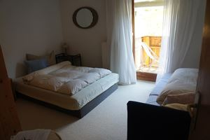Triple room, shower or bath, toilet, 1 bed room