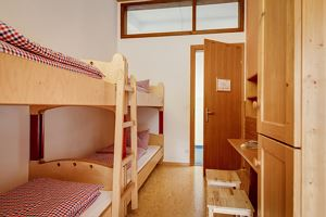 4-bed room, shared shower/shared toilet