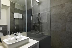 Chambre individuelle, douche, WC, standard