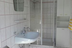Double room, shared shower/shared toilet