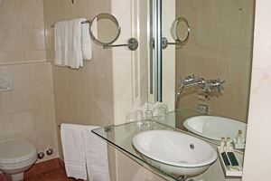 Double room, shower or bath, toilet