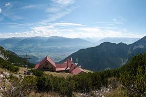 From the Halltal to the Bettelwurf Mountain Hut